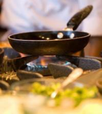l_cucina---padelle-sul-fuoco