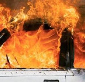 Auto date alle fiamme nel cagliaritano. nella notte altre due auto