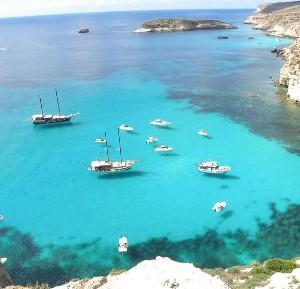 Lampedusa e Alghero: due realtà turistiche a confronto. Voli ...