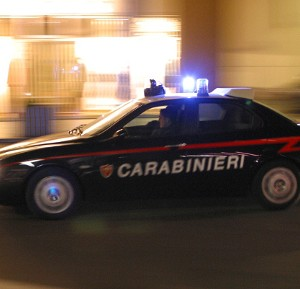 Ubriaco causa un incidente e aggredisce carabinieri: arrestato