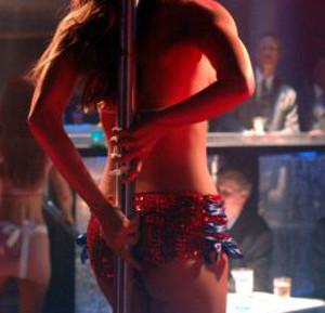 come corteggiare un uomo night club per donne